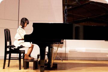 写真:ピアノ