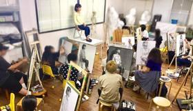 芸大美大受験科 夏期講習で人物画実習